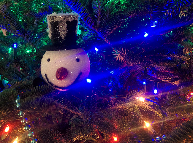 sheownsit-christmas-tree-snowman-ornament