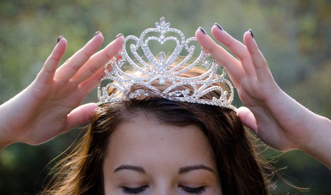 7 Ways To De-Throne The Drama Queen In The Workplace @AngeKYoumatter