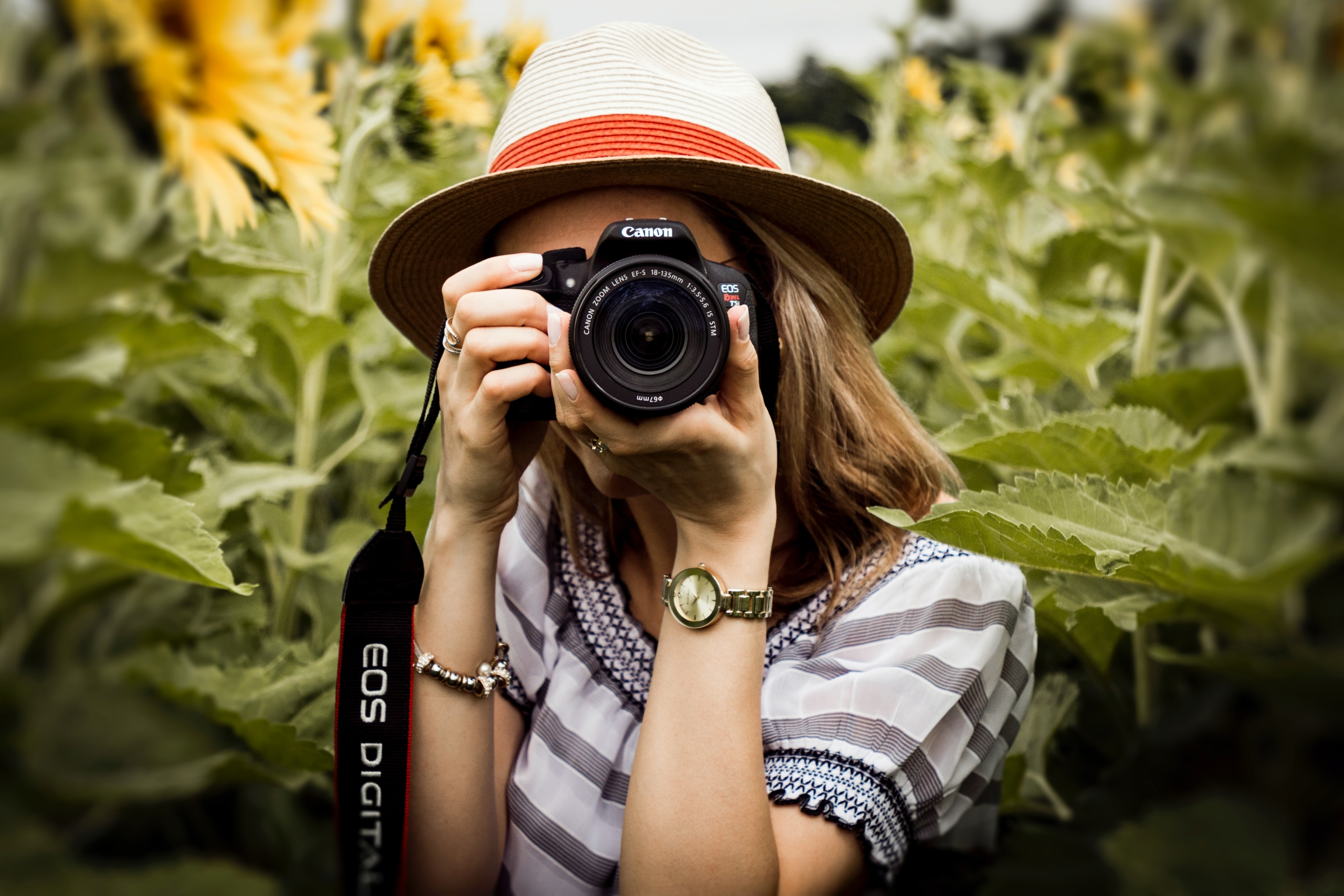 Surprisingly Powerful Benefits of Hiring a Professional Photographer