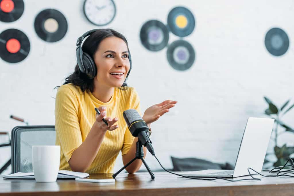 5 best business podcast episodes for women entrepreneurs